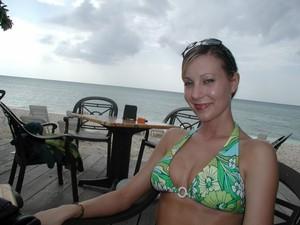 Hot Girl On Vacation Teases Her Pussy [x72]o7ge2w21az.jpg